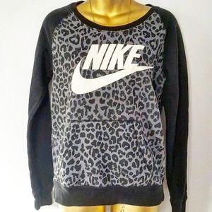 Nike leopard sweater size xs